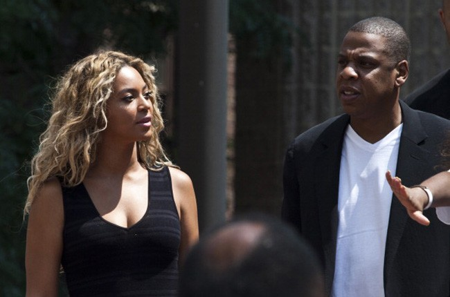 174103151-singer-beyonce-and-her-husband-jay-z-attend-650