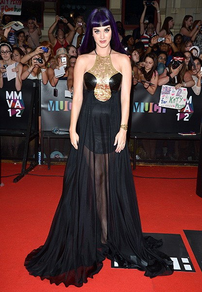 17june2012-katy-perry-outrageous-fashion-600