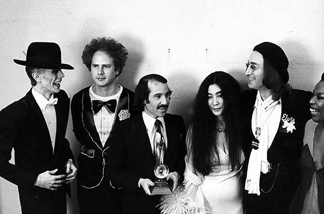 Simon vs. Garfunkel (1975)
