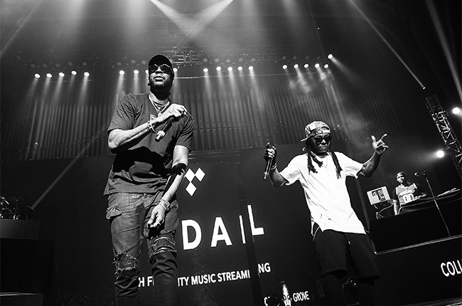 2-Chainz-and-Lil-Wayne-Tidal-X-ColleGrove-2016