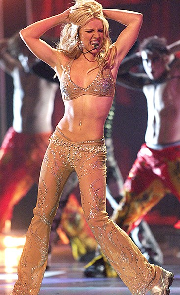 2000sept7-britney-spears-outrageous-fashion-600