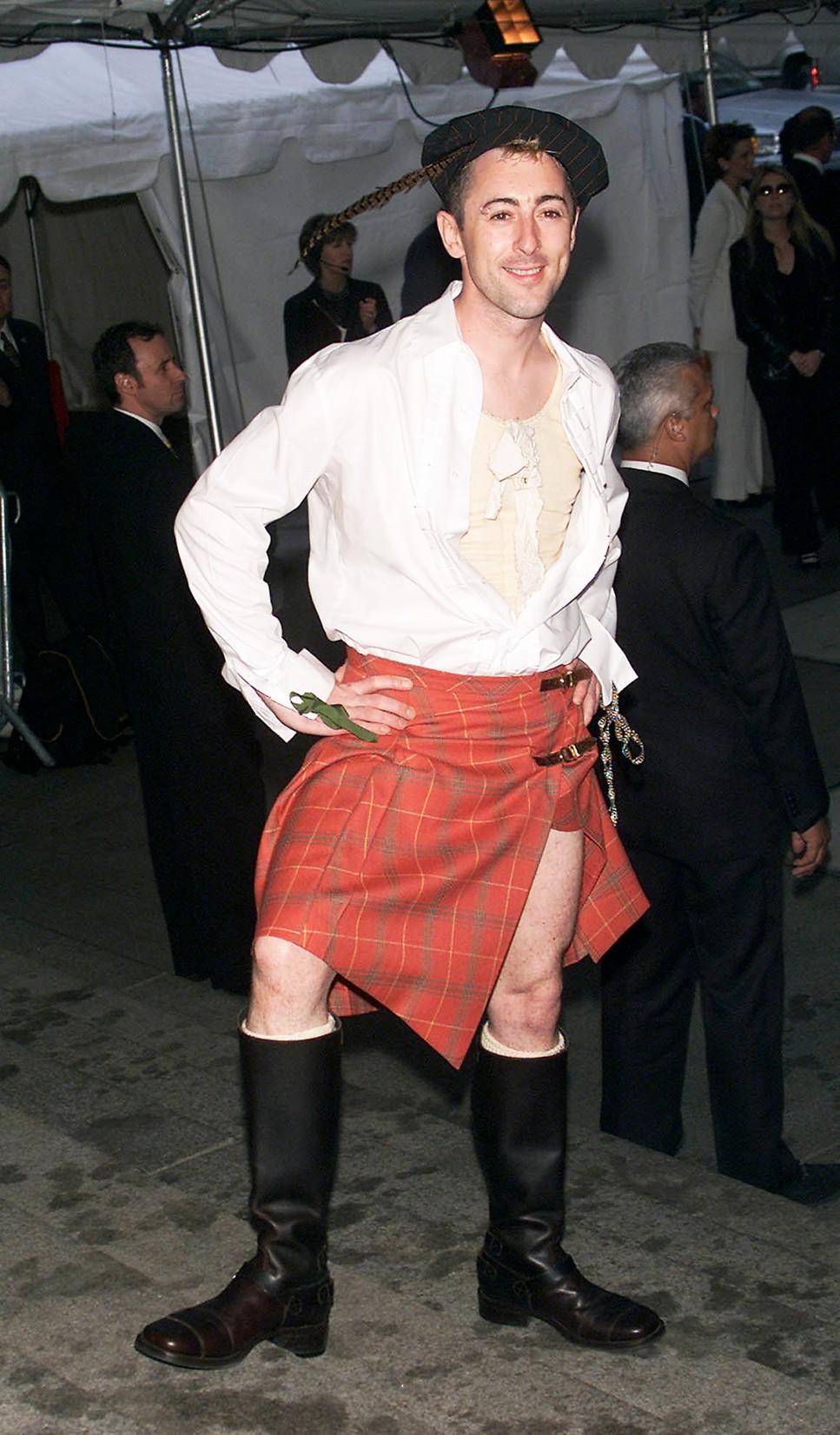 Alan Cumming arrives at the Metropolitan Museum's Costume Institute Gala