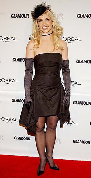 2003nov10-britney-spears-outrageous-fashion-600