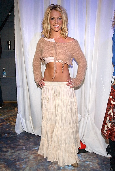 2006feb17-britney-spears-outrageous-fashion-600