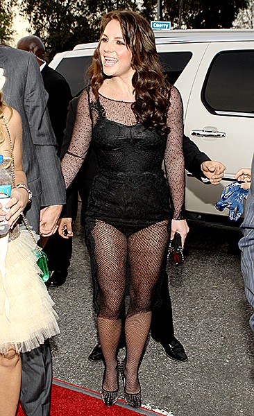 2010jan31-britney-spears-outrageous-fashion-600