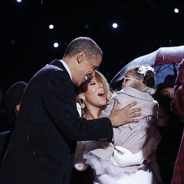 2013dec6-mariah-carey-obama-holidays-600