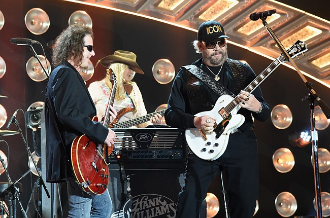 2014-american-country-countdown-awards-hank-williams-jr-performance-billboard-650
