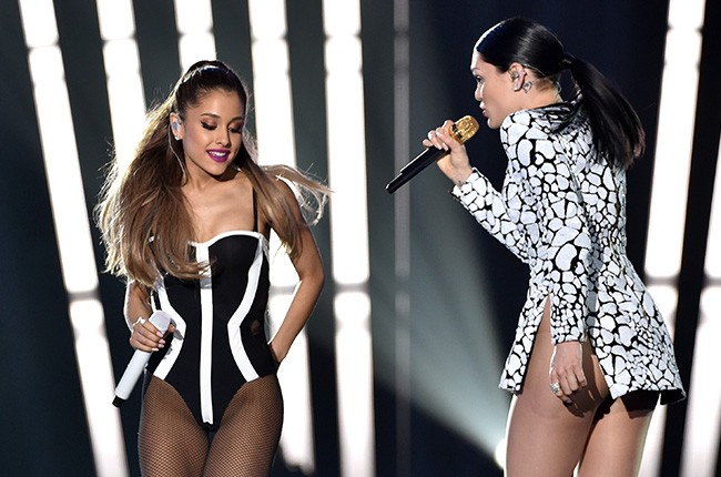 Ariana Grande and Jessie J perform at the 2014 VMAs