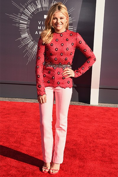 Chloe Grace Moretz arrives at the 2014 VMAs