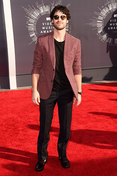 Darren Criss arrives at the 2014 VMAs