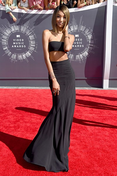Jourdan Dunn arrives at the 2014 VMAs