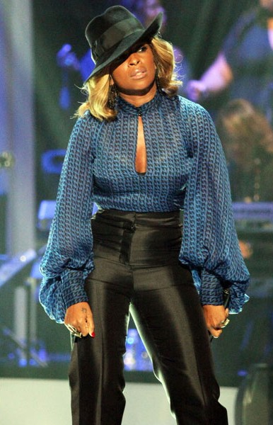 22-mary-j-blige-fashion-black-girls-rock-600