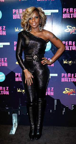 23-mary-j-blige-fashion-black-jump-suit-600