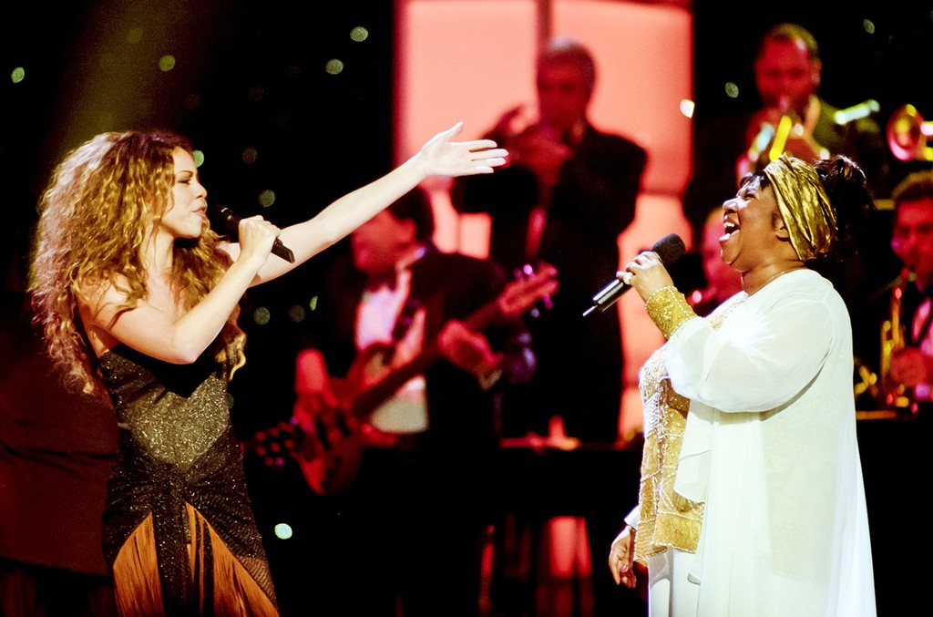 Mariah Carey and Aretha Franklin perform onstage during the 'Divas Live--An Honors Concert for VH1 Save the Music' at the Beacon Theater, New York on April 14, 1998.