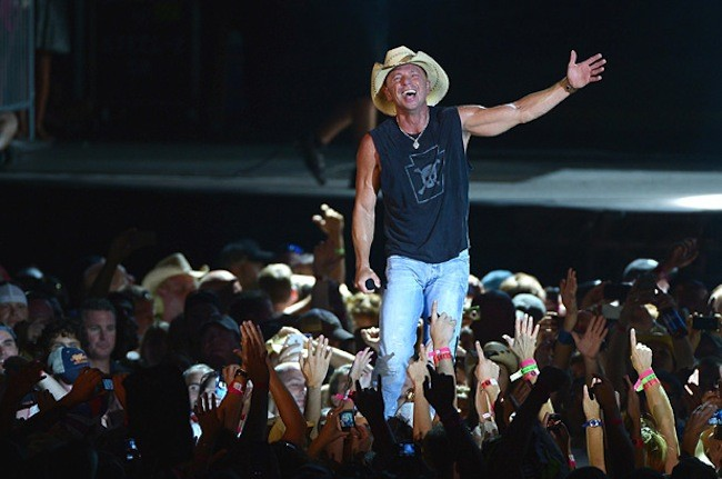 2494269-kenny-chesney-jersey-617-409