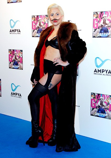 24oct2013-lady-gaga-outrageous-outfits-6