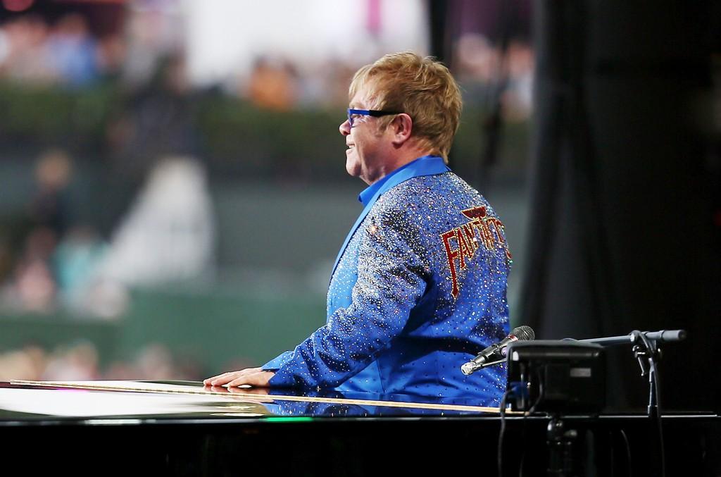 Elton John, 2015