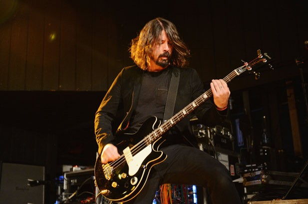 2698199-2698139-dave-grohl-sound-city-617-409-1