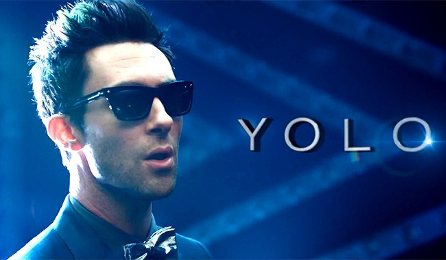 26jan2013-adam-levine-yolo-650w