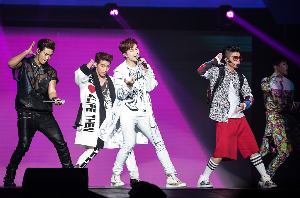"""2PM performs during the K-Pop  """"Go Crazy"""" World Tour"""