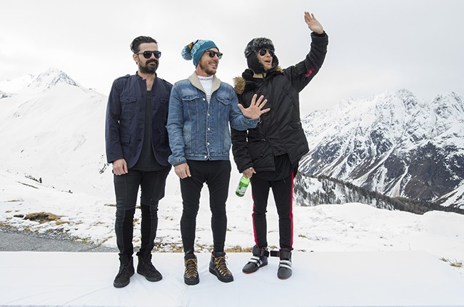 30-seconds-to-mars-jared-leto-mountain-top-2015-billboard-650