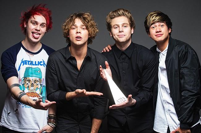 5sos-5-seconds-of-summer-aria-awards-2014-billboard-650