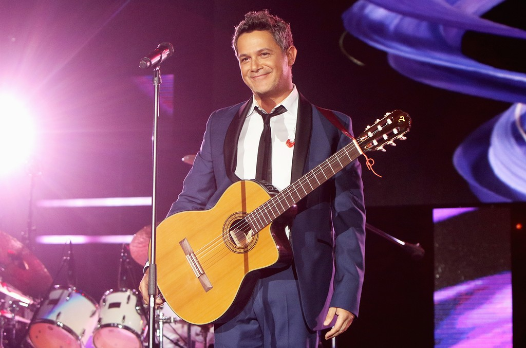 Alejandro Sanz performs at the Mandalay Bay Events Center on Nov. 18, 2015 in Las Vegas.