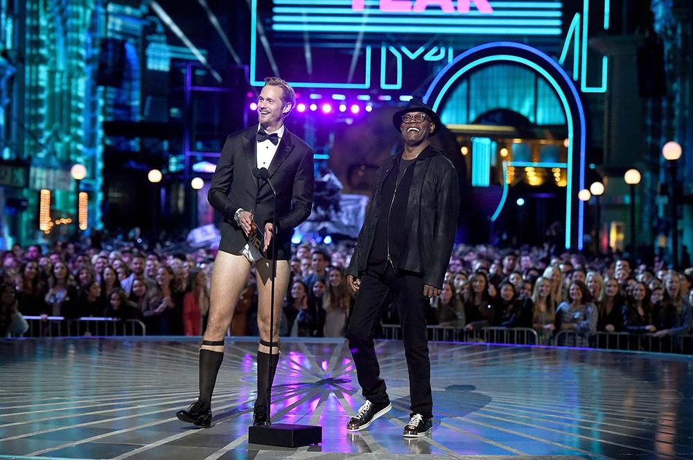 Alexander Skarsgard and Samuel L. Jackson  2016 mtv movie awards