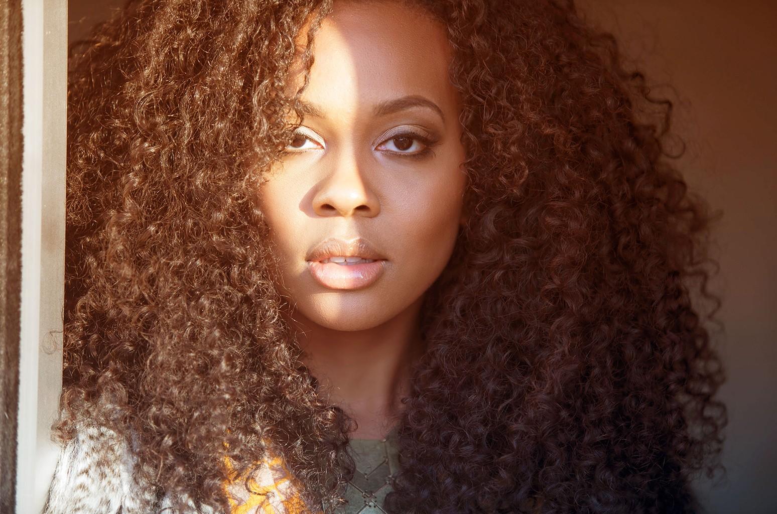 Ashleigh Smith Extols the 'Sunkissed' Beauty of Jazz