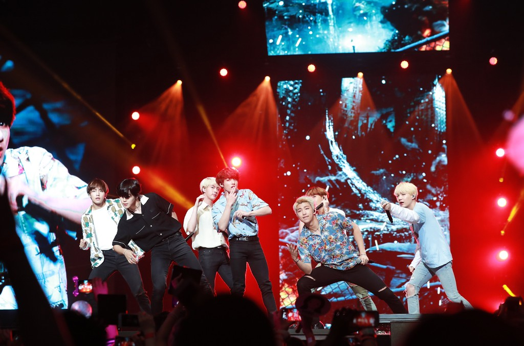 BTS performs at KCON LA 2016.