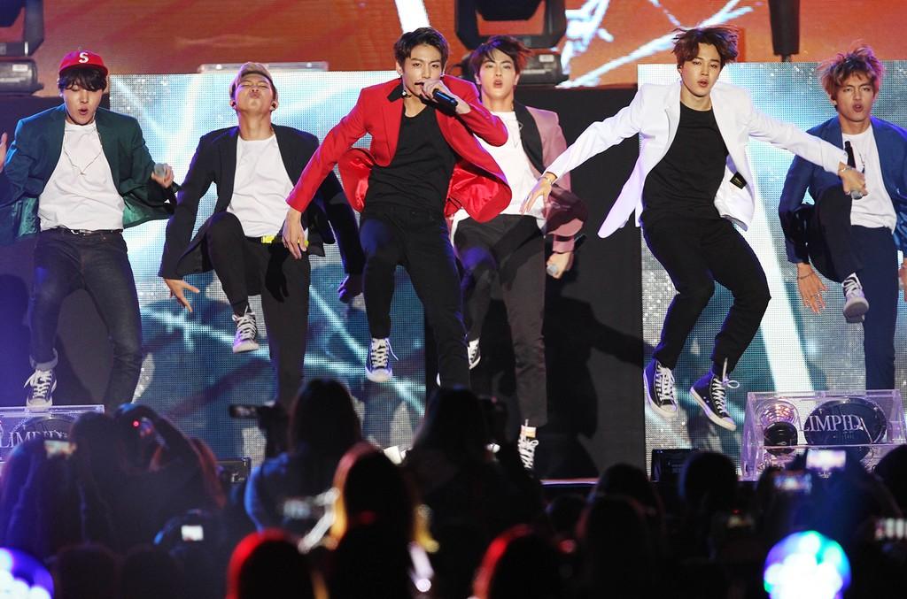 BTS, 2015