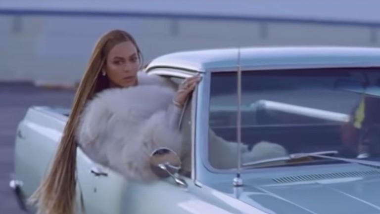 <p>Beyoncé &quot&#x3B;Formation&quot&#x3B;</p>