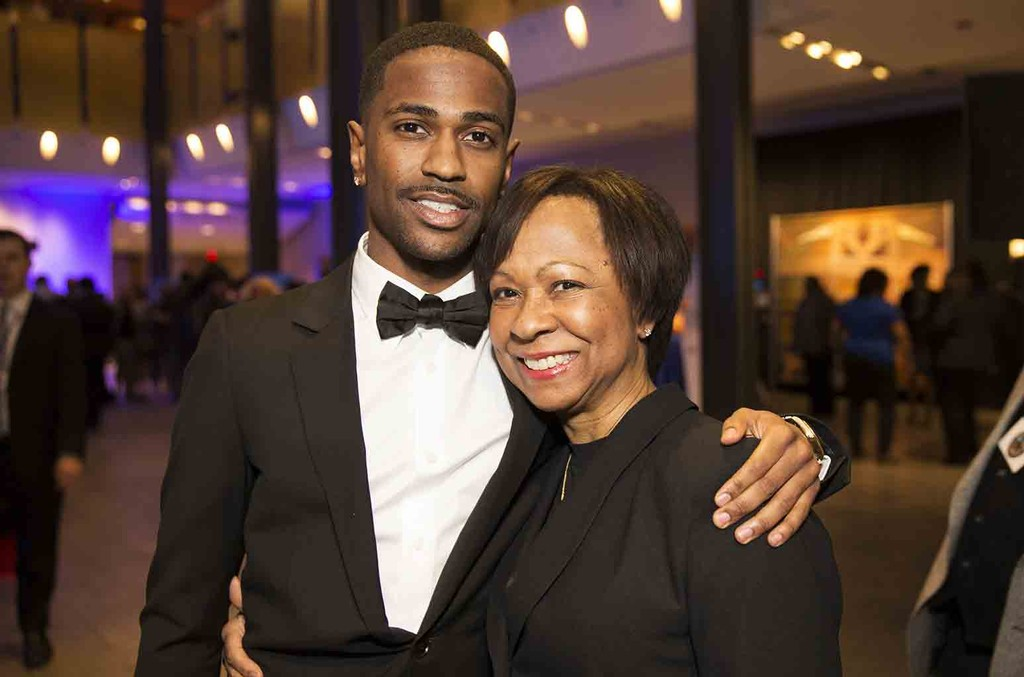 Big Sean and mother Myra Anderson attend the 17th Annual Ford Freedom Awards at Max Fischer Music Center on May 5, 2015 in Detroit, Michigan.