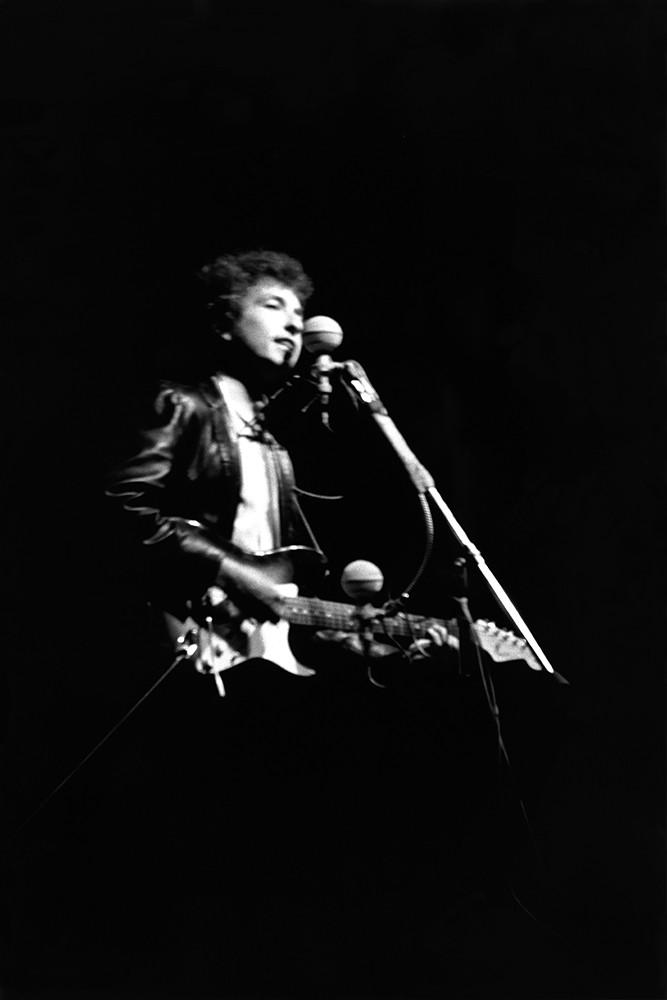 Bob Dylan, Newport Folk Festival, electric guitar