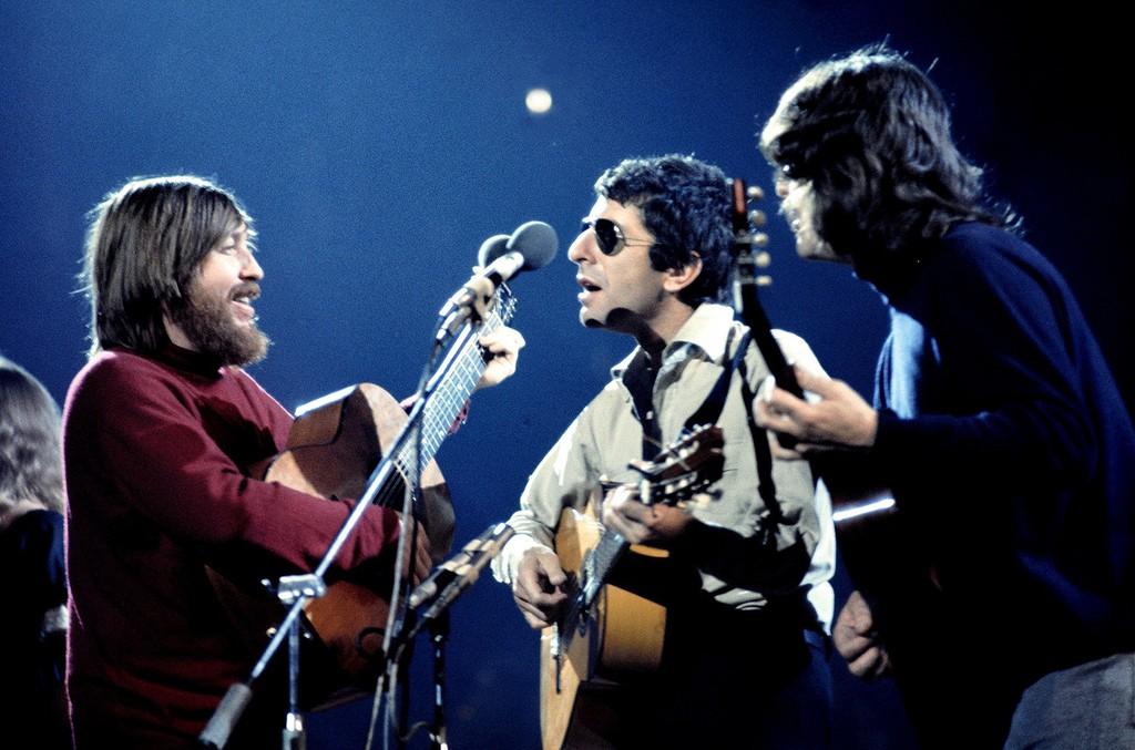 Bob Johnston, Leonard Cohen and Ron Cornelius in concert at the Royal Albert Hall in London, Britain in 1973.