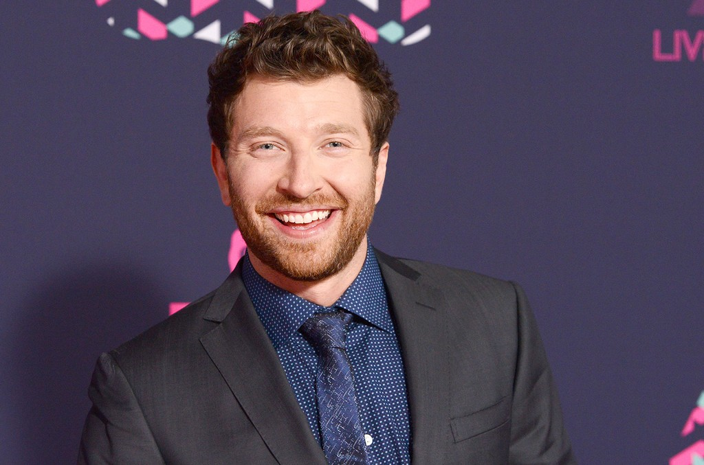 Brett Eldredge attends the 2016 CMT Music awards