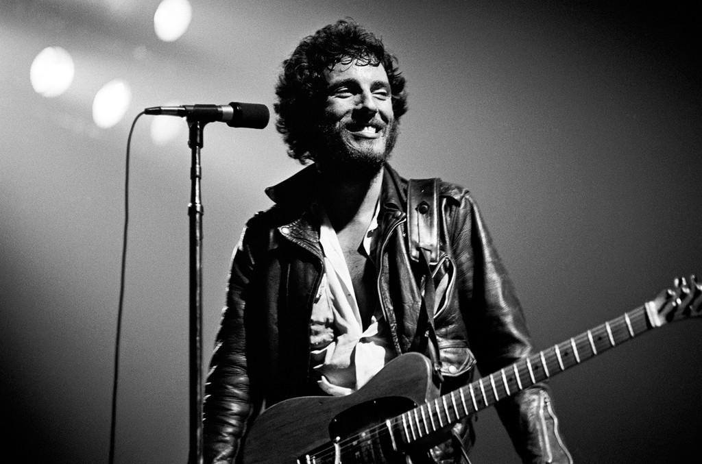 Bruce-Springsteen-born-to-run-tour-billboard-1548
