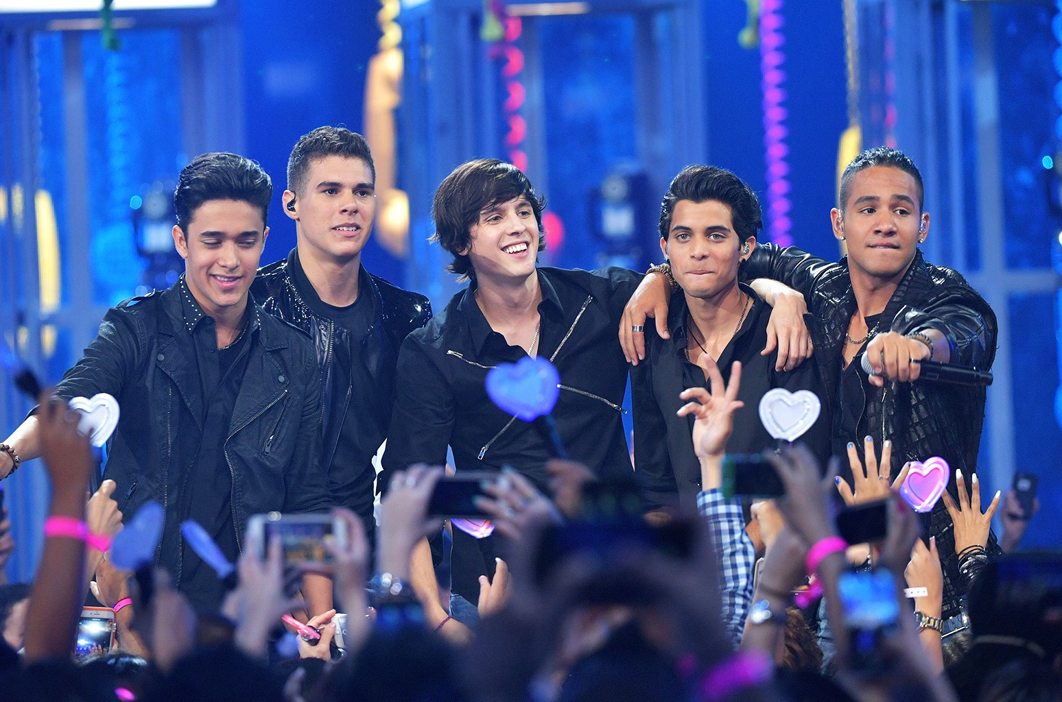 CNCO perform in 2016