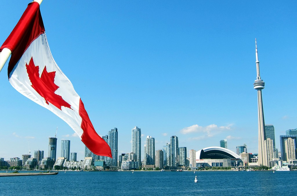 Canada-Toronto-Flag-2016-billboard-1548