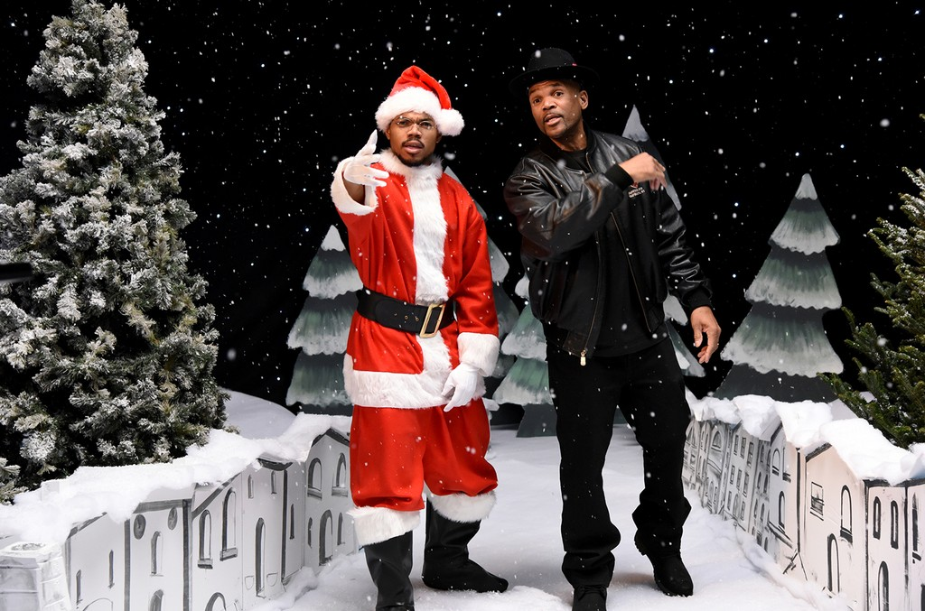 """Chance The Rapper and Darryl McDaniels during the """"Jingle Barack"""" sketch on Saturday Night Live on Dec. 17, 2016."""