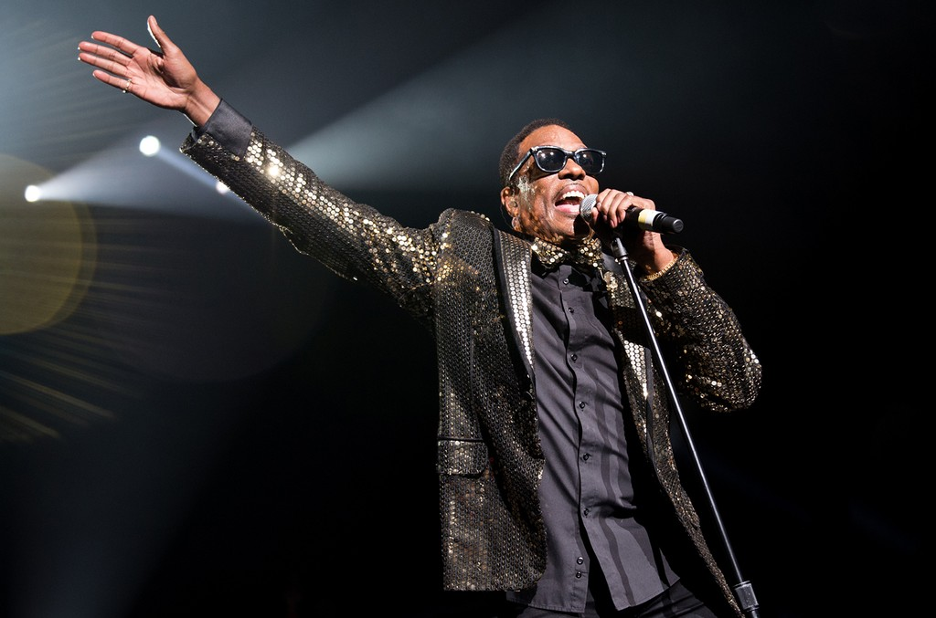 Charlie Wilson performs in 2016