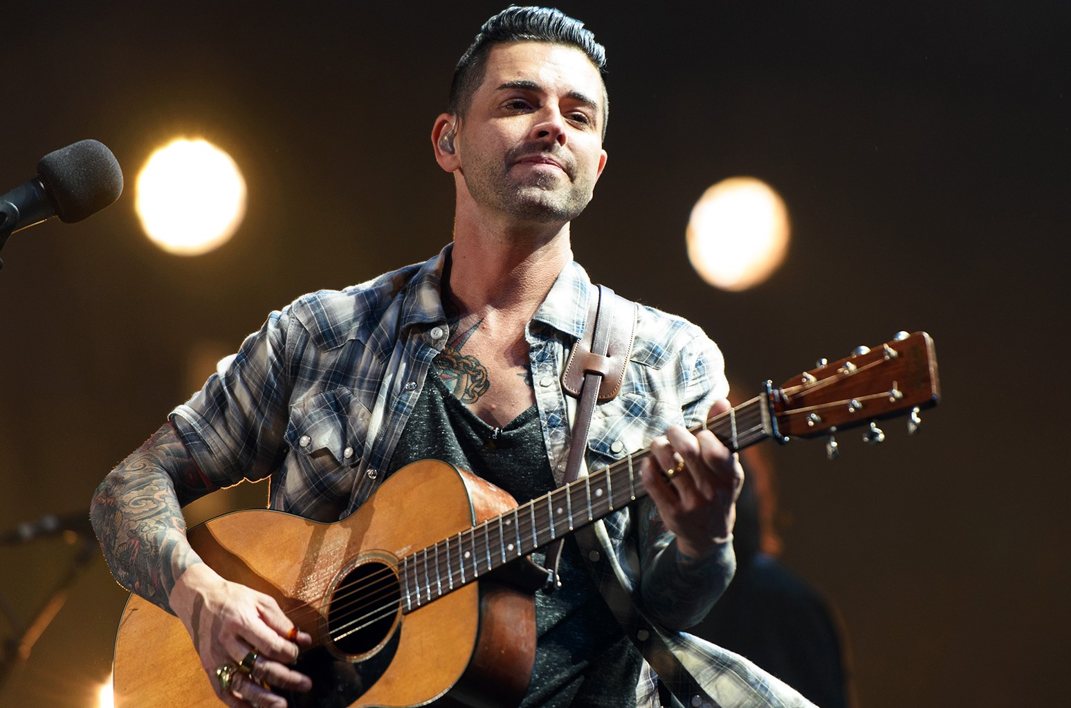 Chris Carrabba of Dashboard Confessional performs at FirstMerit Bank Pavilion at Northerly Island on June 26, 2015 in Chicago.