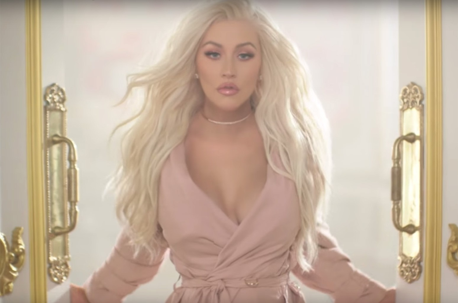 Christina Aguilera 'Definition' New Fragrance commercial