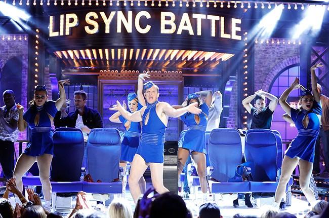 "Clark Gregg performs Britney Spears' ""Toxic"" on 'Lip Sync Battle.'"