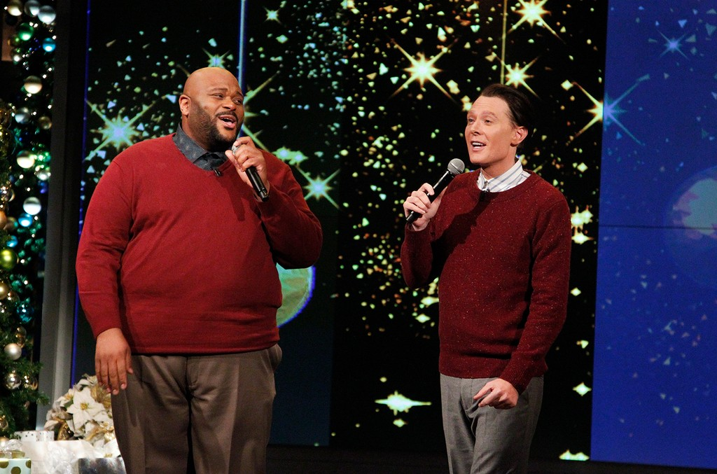 "Clay Aiken and Ruben Studdard perform together for the first time in 13 years on Dec. 15, 2016 on ABC's ""The View."""
