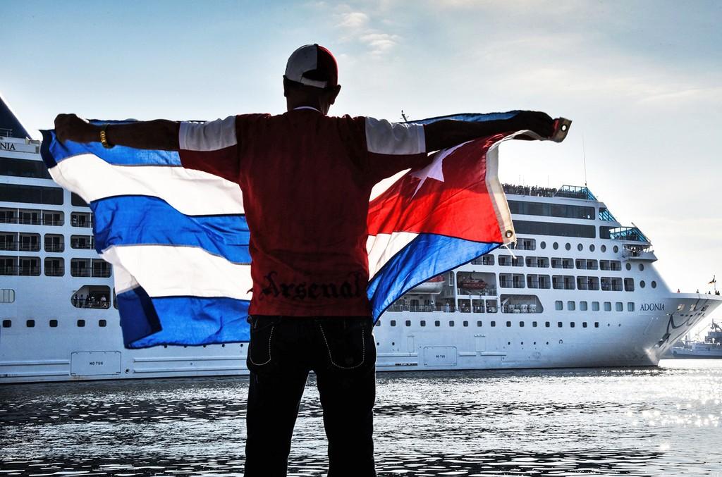 Cuba-Tourism-2016-billboard-1548