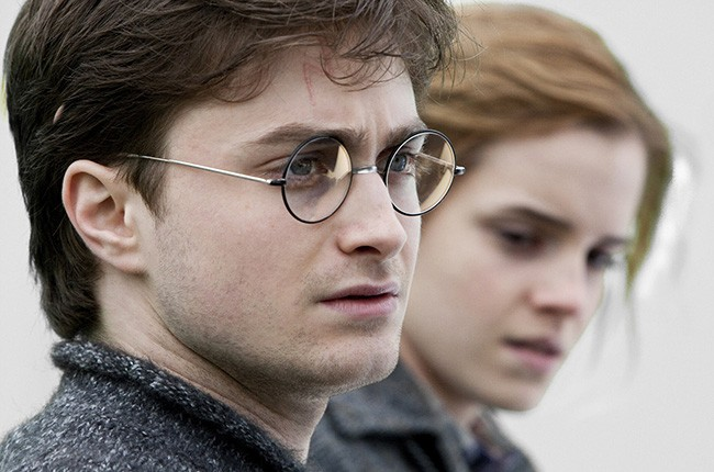 Daniel-Radcliffe-Harry-Potter-and-the-Deathly-Hallows-billboard-650
