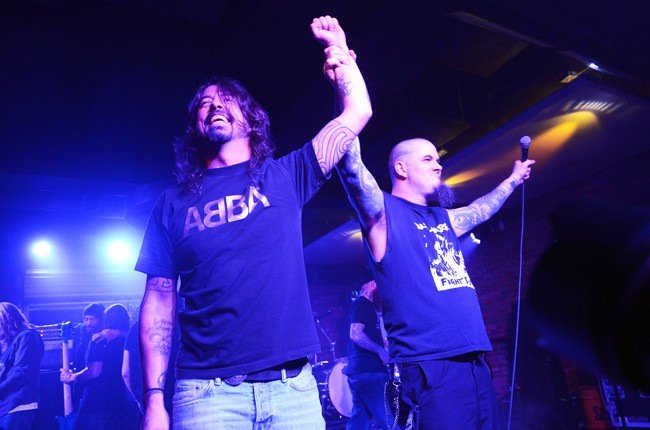 Dave-Grohl-Phil-Anselmo-dimebash-2016-billboard-650