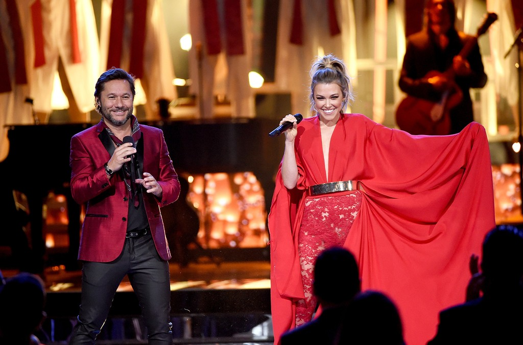 Diego Torres and Rachel Platten perform onstage during The 17th Annual Latin Grammy Awards at T-Mobile Arena on Nov. 17, 2016 in Las Vegas.