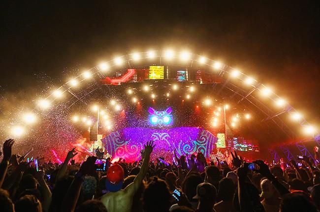 EDC-atmosphere-mexico-city-2015-billboard-650